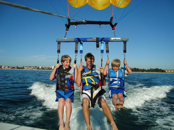 Englewood parasail dolphins